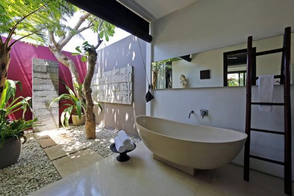 Family Bathtub And Outdoor Shower