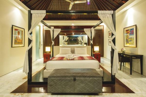 3BR Premium Bedroom With Canopy Bed With Ceiling Fan