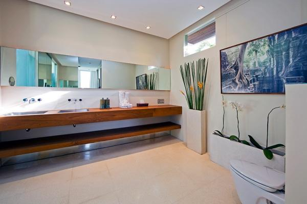2BR Premium Indoor Bathroom
