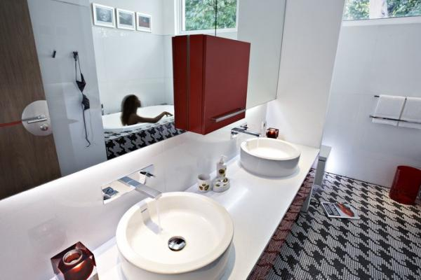 Ensuite Red Bathroom