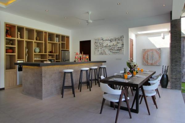 Open Style Dining And Kitchen