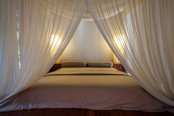 Bed Covering With Mosquito Net