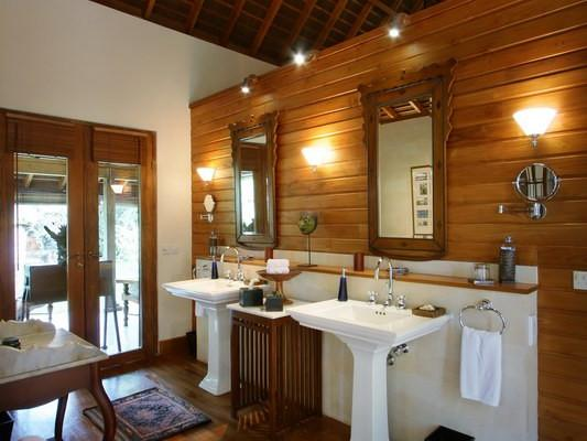 Pavilion 1 Ensuite Bathroom