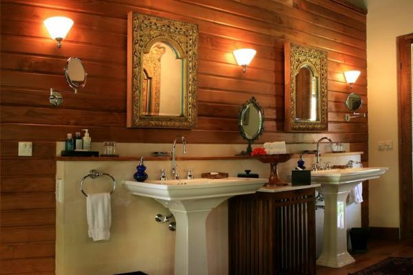 Bathroom At Pavilion