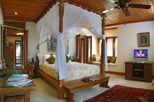 Spacious Bedroom At Pavillion
