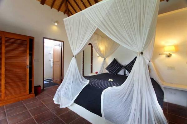 Double Bed Size With Mosquito Net And Wardrobe Facilities