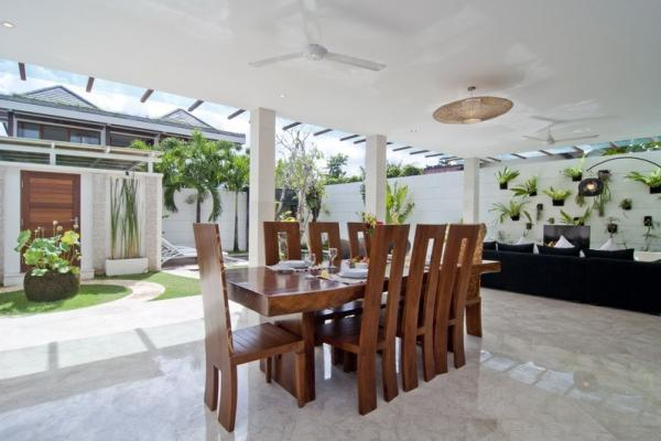 Open Style Dining Area For 8 Persons