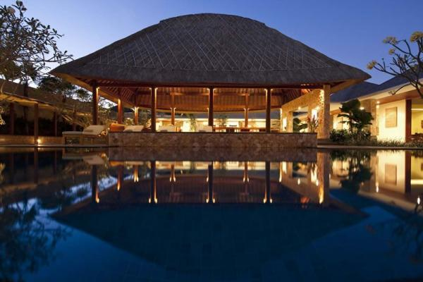 Villa Satria Pool At Night